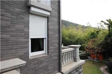 什么是户外卷帘窗之美?