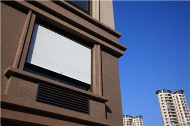 抗噪时代,怎能少了湘联隔音卷帘窗呢?
